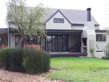 4 Bedroom house for sale in Silwerstrand Golf and River Estate.