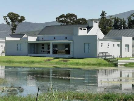 3 Bedroom House for sale in Silwerstrand Golf and River Estate : Robertson