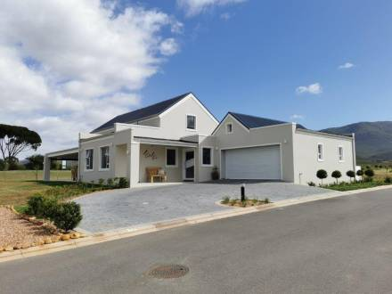 New 3 Bedroom House for sale in Silwerstrand Golf and River Estate : Robertson